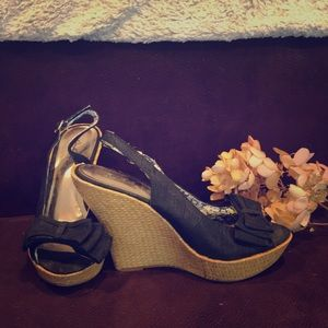 Quipid Adorable Bow Wedges